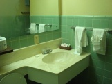 Lake Murray Lodge bathroom