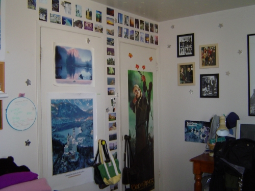 Stuff cool nerd kids liked in the early 2000s./Corner of my high school bedroom.
